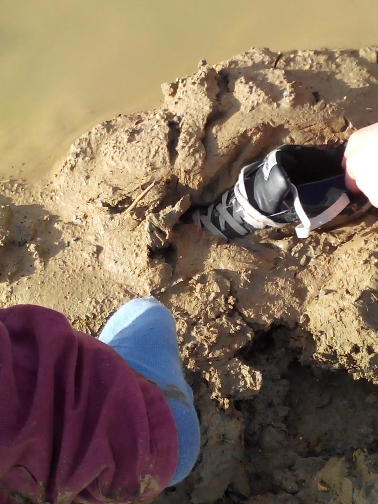 Désembourbage de chaussure droite